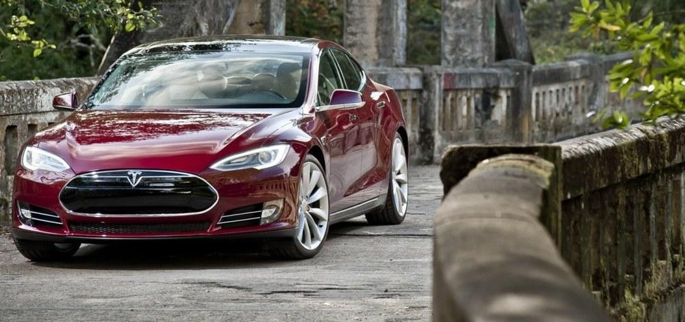 Tesla-Model-SX334455